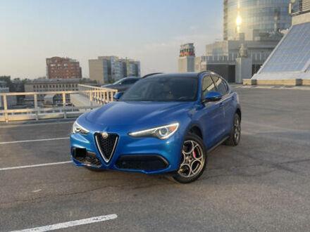 Синий Альфа Ромео Стелвио, объемом двигателя 2 л и пробегом 95 тыс. км за 32000 $, фото 1 на Automoto.ua