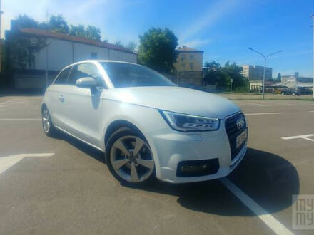 Белый Ауди А1, объемом двигателя 1.6 л и пробегом 28 тыс. км за 17500 $, фото 1 на Automoto.ua