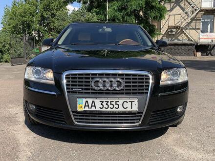 Черный Ауди А8, объемом двигателя 4.2 л и пробегом 215 тыс. км за 15000 $, фото 1 на Automoto.ua