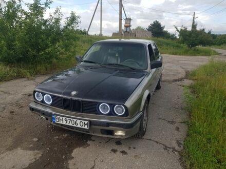 Серый БМВ 3 Серия, объемом двигателя 1.8 л и пробегом 100 тыс. км за 1800 $, фото 1 на Automoto.ua