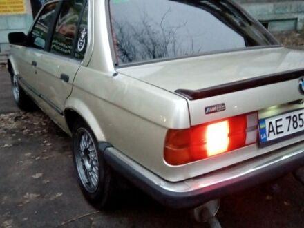 Серый БМВ 3 Серия, объемом двигателя 1.6 л и пробегом 330 тыс. км за 2500 $, фото 1 на Automoto.ua