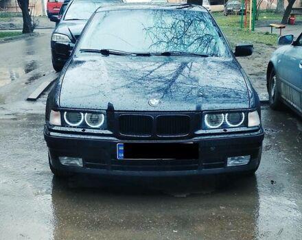 Черный БМВ 316, объемом двигателя 1.6 л и пробегом 275 тыс. км за 4250 $, фото 1 на Automoto.ua