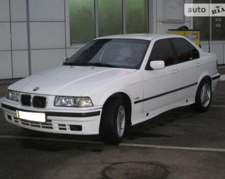 Белый БМВ 316, объемом двигателя 1.6 л и пробегом 280 тыс. км за 3500 $, фото 1 на Automoto.ua