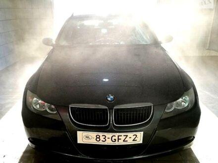 Серый БМВ 318, объемом двигателя 2 л и пробегом 355 тыс. км за 7999 $, фото 1 на Automoto.ua