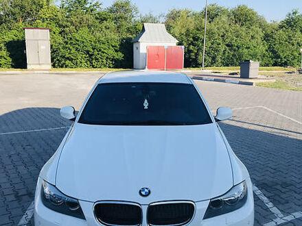 Білий БМВ 320, об'ємом двигуна 2 л та пробігом 270 тис. км за 10000 $, фото 1 на Automoto.ua