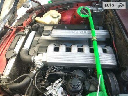 Красный БМВ 324, объемом двигателя 2.5 л и пробегом 100 тыс. км за 2500 $, фото 1 на Automoto.ua