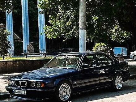 Синій БМВ 518, об'ємом двигуна 2 л та пробігом 174 тис. км за 4200 $, фото 1 на Automoto.ua