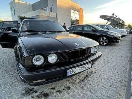 Черный БМВ 520, объемом двигателя 2.5 л и пробегом 380 тыс. км за 2200 $, фото 1 на Automoto.ua