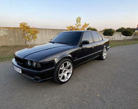Черный БМВ 520, объемом двигателя 2.5 л и пробегом 377 тыс. км за 4000 $, фото 1 на Automoto.ua