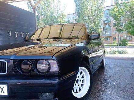 Черный БМВ 520, объемом двигателя 2 л и пробегом 381 тыс. км за 4000 $, фото 1 на Automoto.ua