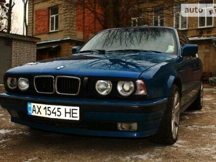 Синий БМВ 520, объемом двигателя 2 л и пробегом 245 тыс. км за 3500 $, фото 1 на Automoto.ua