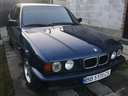Синий БМВ 520, объемом двигателя 2 л и пробегом 344 тыс. км за 4300 $, фото 1 на Automoto.ua