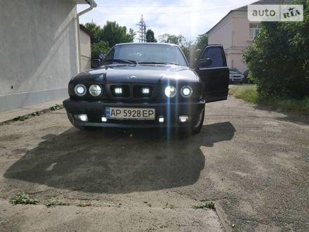 Синий БМВ 520, объемом двигателя 2 л и пробегом 495 тыс. км за 4500 $, фото 1 на Automoto.ua