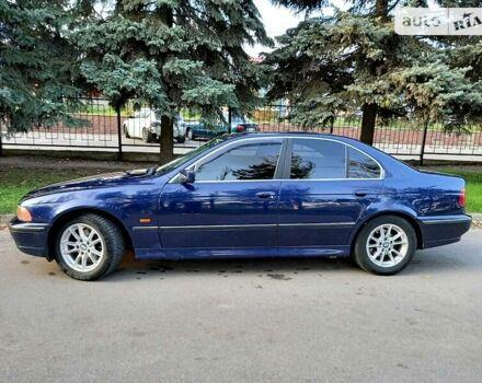 Синий БМВ 520, объемом двигателя 2 л и пробегом 300 тыс. км за 5000 $, фото 1 на Automoto.ua