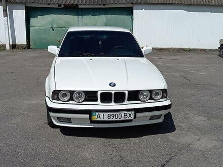 Белый БМВ 524, объемом двигателя 2.4 л и пробегом 368 тыс. км за 6100 $, фото 1 на Automoto.ua