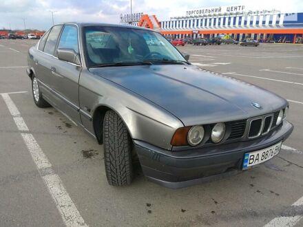 Серый БМВ 524, объемом двигателя 2.4 л и пробегом 518 тыс. км за 2600 $, фото 1 на Automoto.ua