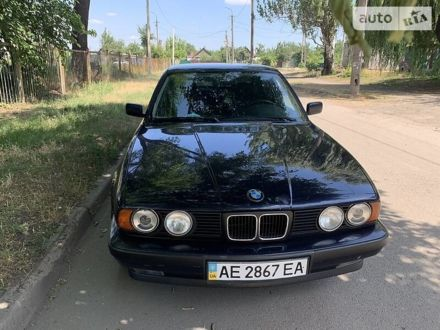 Синий БМВ 525, объемом двигателя 2.5 л и пробегом 370 тыс. км за 5000 $, фото 1 на Automoto.ua