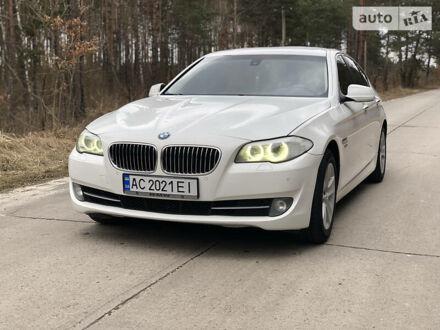 Білий БМВ 528, об'ємом двигуна 2 л та пробігом 199 тис. км за 13800 $, фото 1 на Automoto.ua
