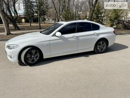 Білий БМВ 528, об'ємом двигуна 2 л та пробігом 126 тис. км за 15000 $, фото 1 на Automoto.ua