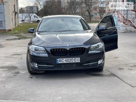 Серый БМВ 535, объемом двигателя 3 л и пробегом 176 тыс. км за 15000 $, фото 1 на Automoto.ua