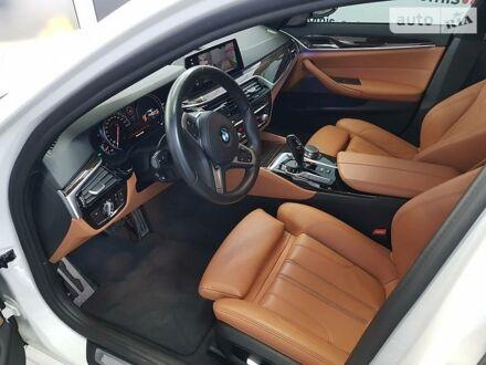 Белый БМВ 540, объемом двигателя 3 л и пробегом 19 тыс. км за 52999 $, фото 1 на Automoto.ua