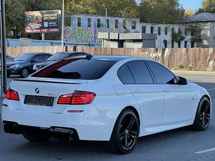 Белый БМВ 550, объемом двигателя 4.4 л и пробегом 134 тыс. км за 24900 $, фото 1 на Automoto.ua