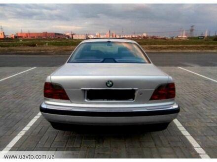 Серебряный БМВ 7, объемом двигателя 3 л и пробегом 301 тыс. км за 1997 $, фото 1 на Automoto.ua