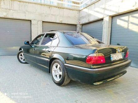 Зеленый БМВ 730, объемом двигателя 3 л и пробегом 377 тыс. км за 7700 $, фото 1 на Automoto.ua