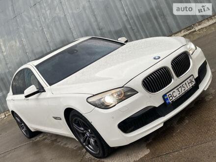 Белый БМВ 740, объемом двигателя 3 л и пробегом 250 тыс. км за 24999 $, фото 1 на Automoto.ua
