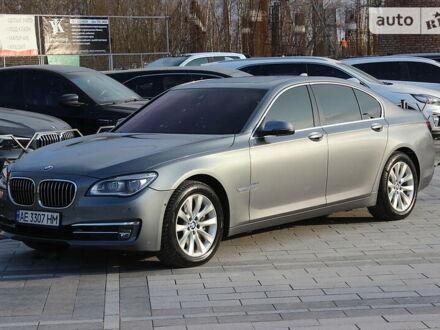 Сірий БМВ 740, об'ємом двигуна 3 л та пробігом 107 тис. км за 26999 $, фото 1 на Automoto.ua