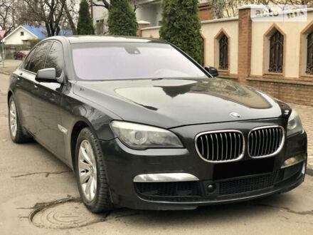 Сірий БМВ 750, об'ємом двигуна 4.4 л та пробігом 179 тис. км за 19800 $, фото 1 на Automoto.ua