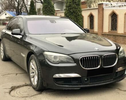 Серый БМВ 750, объемом двигателя 4.4 л и пробегом 179 тыс. км за 19999 $, фото 1 на Automoto.ua
