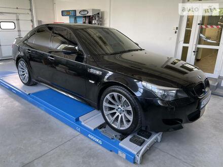 Черный БМВ М5, объемом двигателя 5 л и пробегом 135 тыс. км за 34500 $, фото 1 на Automoto.ua