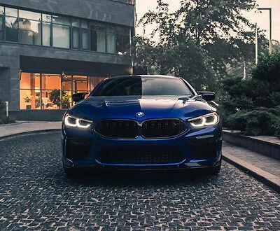 Синій БМВ M8, об'ємом двигуна 4.4 л та пробігом 17 тис. км за 168000 $, фото 1 на Automoto.ua