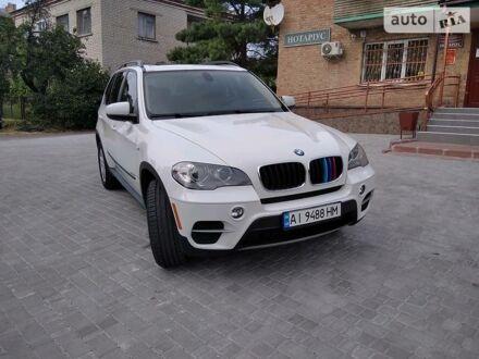 Белый БМВ Х5, объемом двигателя 3 л и пробегом 135 тыс. км за 18600 $, фото 1 на Automoto.ua