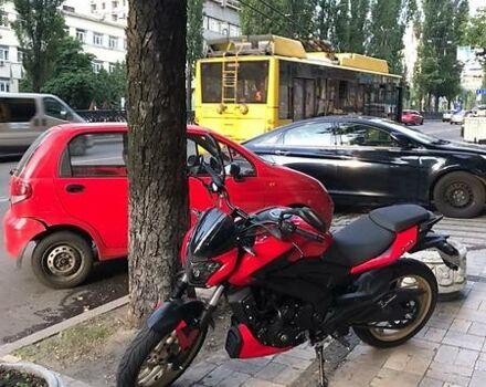 Красный Баджадж Dominar, объемом двигателя 0.4 л и пробегом 2 тыс. км за 3600 $, фото 1 на Automoto.ua