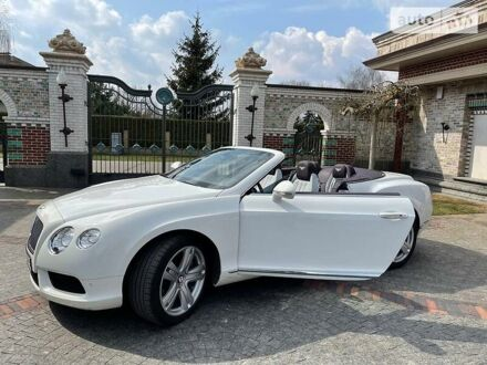 Белый Бентли Континенталь, объемом двигателя 4 л и пробегом 35 тыс. км за 110000 $, фото 1 на Automoto.ua