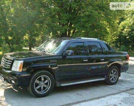 Чорний Каділак Ескалейд, об'ємом двигуна 6 л та пробігом 160 тис. км за 28500 $, фото 1 на Automoto.ua