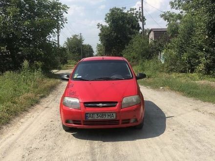 Красный Шевроле Калос, объемом двигателя 1.1 л и пробегом 200 тыс. км за 3500 $, фото 1 на Automoto.ua