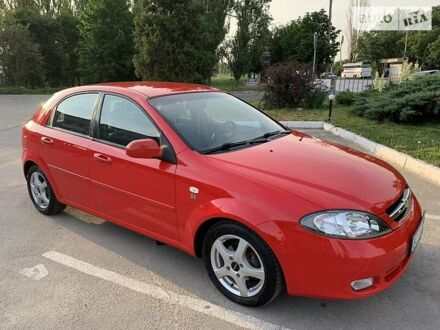 Красный Шевроле Лачетти, объемом двигателя 1.6 л и пробегом 152 тыс. км за 5999 $, фото 1 на Automoto.ua