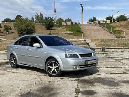 Серый Шевроле Лачетти, объемом двигателя 1.8 л и пробегом 300 тыс. км за 4900 $, фото 1 на Automoto.ua
