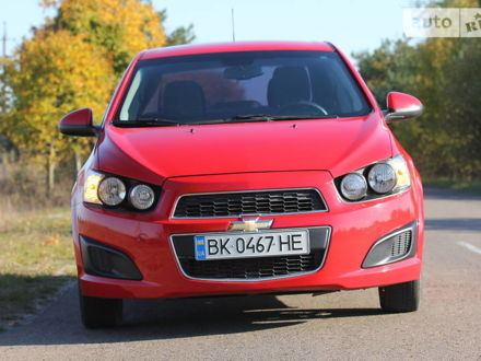 Червоний Шевроле Сонік, об'ємом двигуна 1.8 л та пробігом 108 тис. км за 7350 $, фото 1 на Automoto.ua