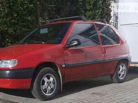 Красный Ситроен Саксо, объемом двигателя 1.1 л и пробегом 199 тыс. км за 2800 $, фото 1 на Automoto.ua