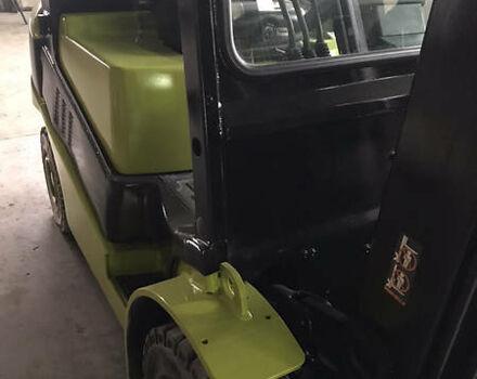 Зеленый Кларк ЦДП, объемом двигателя 2.5 л и пробегом 4 тыс. км за 13500 $, фото 1 на Automoto.ua