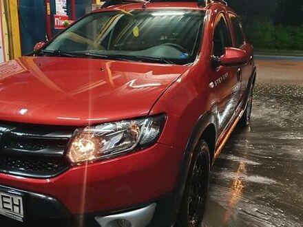 Красный Дачия Sandero StepWay, объемом двигателя 0.9 л и пробегом 181 тыс. км за 7000 $, фото 1 на Automoto.ua
