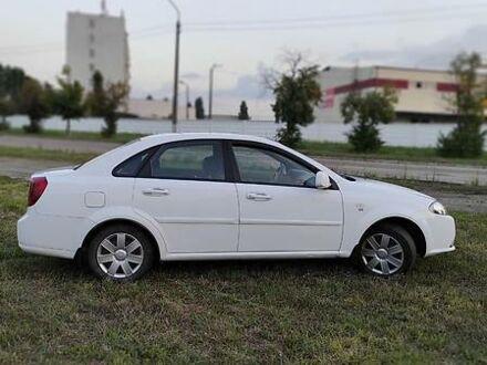 Білий Деу Джентра, об'ємом двигуна 1.5 л та пробігом 152 тис. км за 6300 $, фото 1 на Automoto.ua