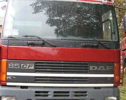 Красный Даф СФ, объемом двигателя 12.8 л и пробегом 800 тыс. км за 9000 $, фото 1 на Automoto.ua