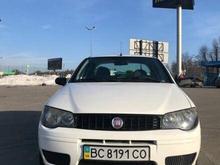 Белый Фиат Альбеа, объемом двигателя 1.4 л и пробегом 170 тыс. км за 4200 $, фото 1 на Automoto.ua