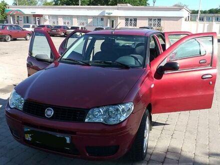 Красный Фиат Альбеа, объемом двигателя 1.4 л и пробегом 130 тыс. км за 4500 $, фото 1 на Automoto.ua