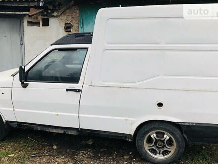 Белый Фиат Fiorino груз., объемом двигателя 1.4 л и пробегом 8 тыс. км за 600 $, фото 1 на Automoto.ua